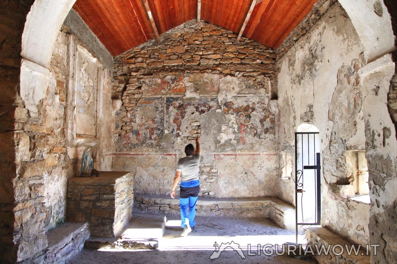 Chiesa di San Salvatore Imperia Liguria Riviera di Ponente Castellaro