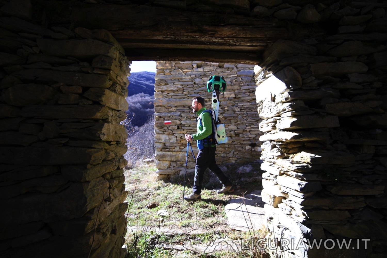 Claudio Cecchi a Poilarocca nel bosco del Fronté sopra Mendatica