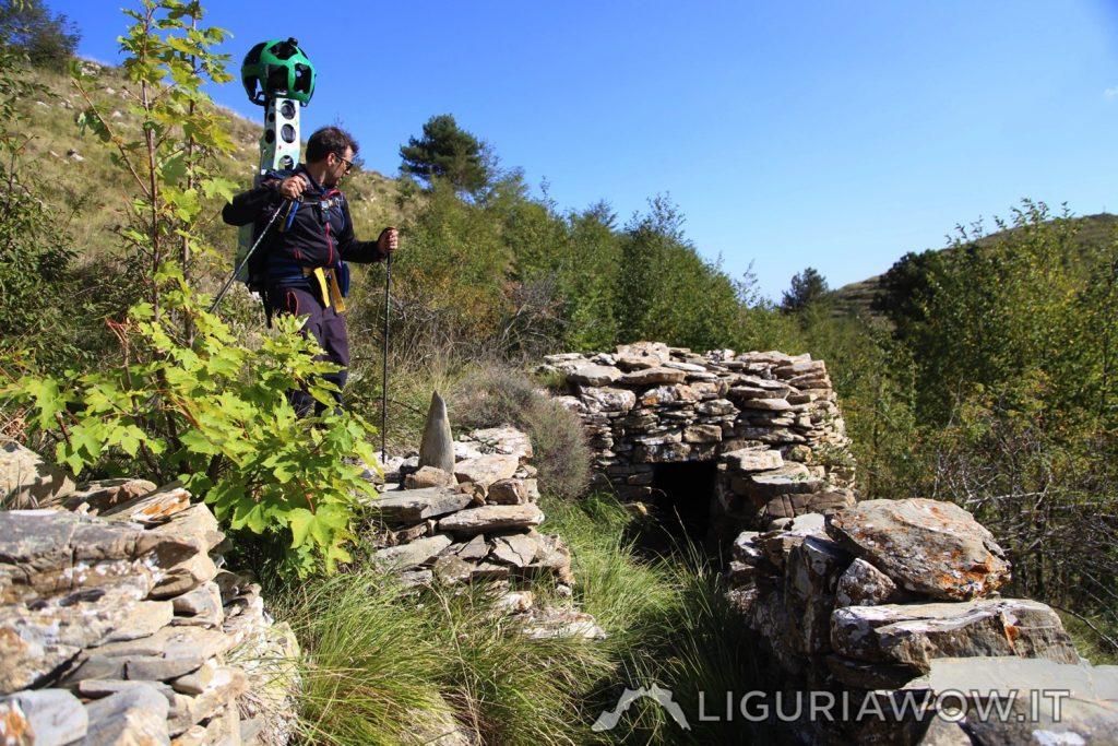 Nicola Ferrarese sulla Casella di Passo di Conio