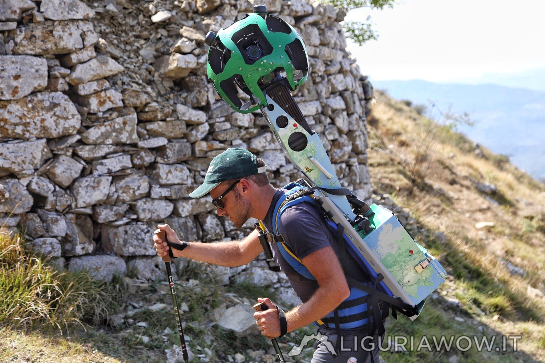 Il Trekker di Google Street View accanto alle caselle della Liguria