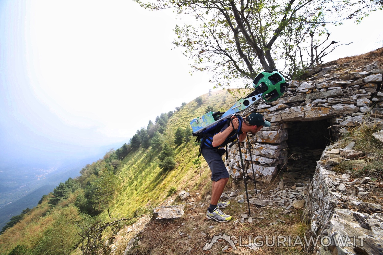 Casella sul Pizzo Montin con Federico Nasi e il Trekker di Google Street View