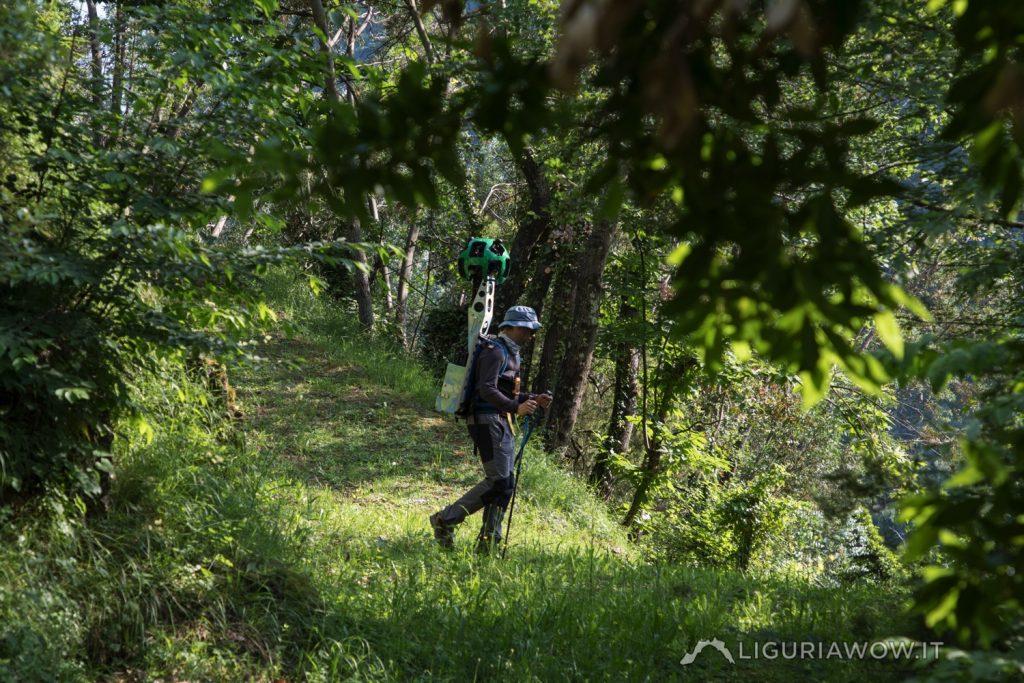 Nicola Ferrarese nei boschi intorno a Buggio